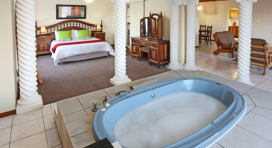 Jacuzzi bridal honeymoon suite self catering